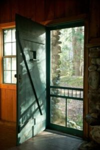 screen-door-open